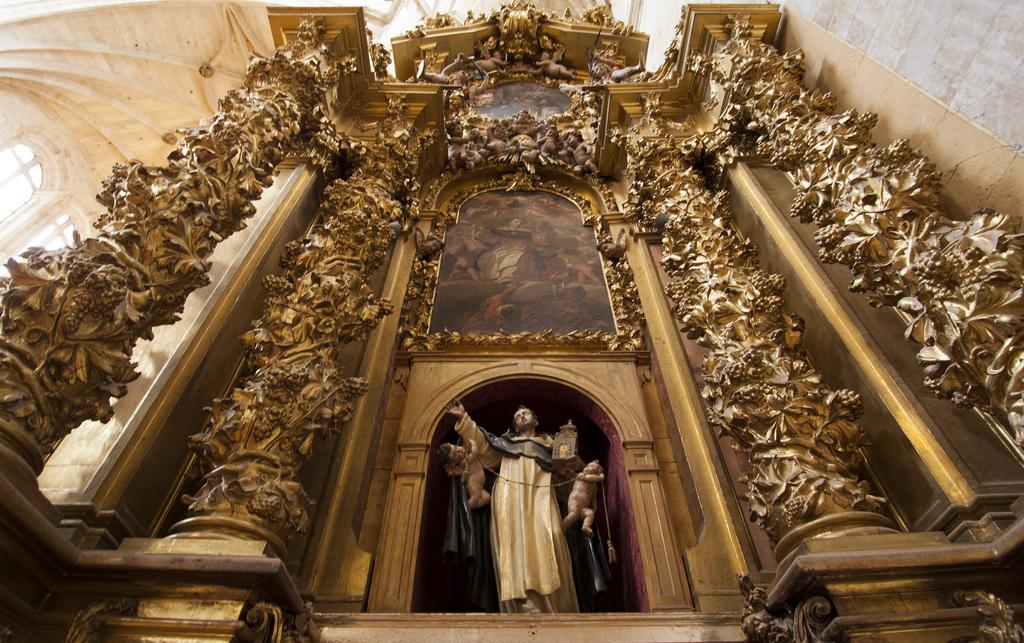An altar dedicated to St. Thomas Aquinas in the Convento de San Esteban, a Dominican monastery in Salamanca, Spain.